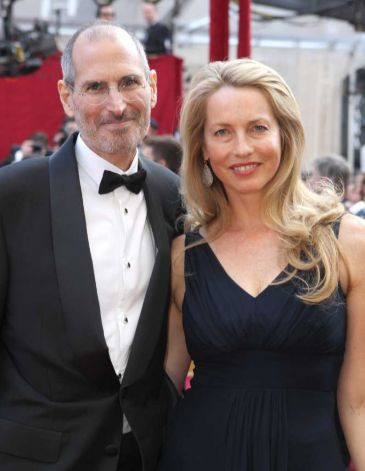 Steve Jobs con su esposa Laurene Powell